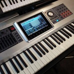 Roland Fantom G8 workstation keyboard